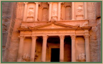 הכניסה לעיר הקסומה פטרה